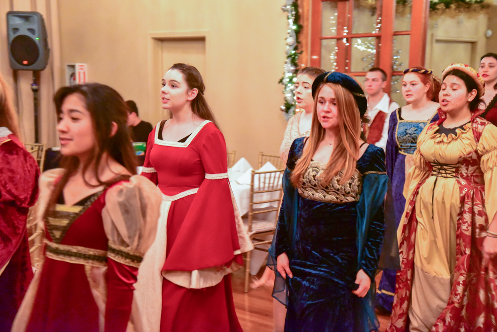 Madrigal_Rehearsal 324