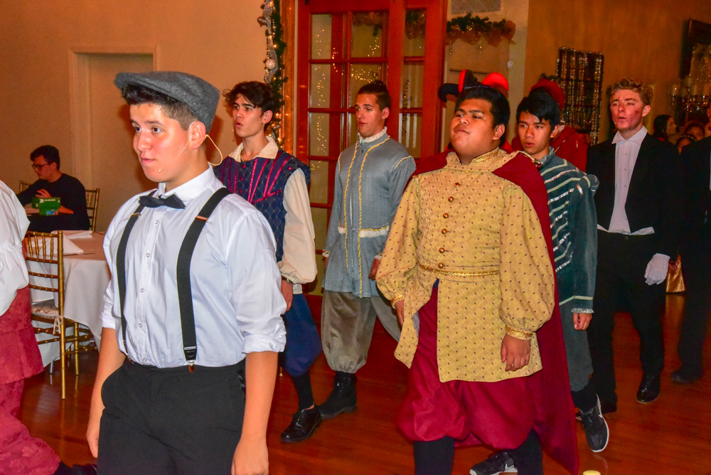 Madrigal_Rehearsal 335