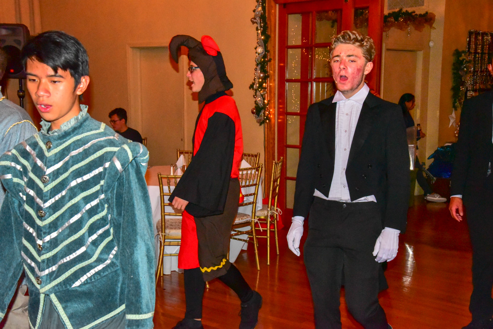 Madrigal_Rehearsal 336