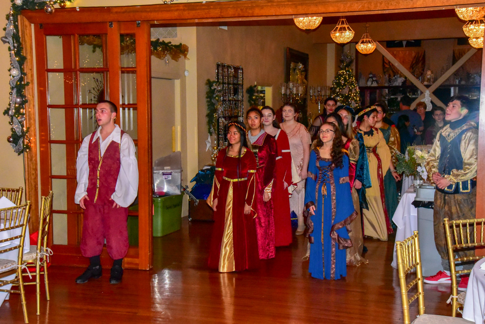 Madrigal_Rehearsal 338