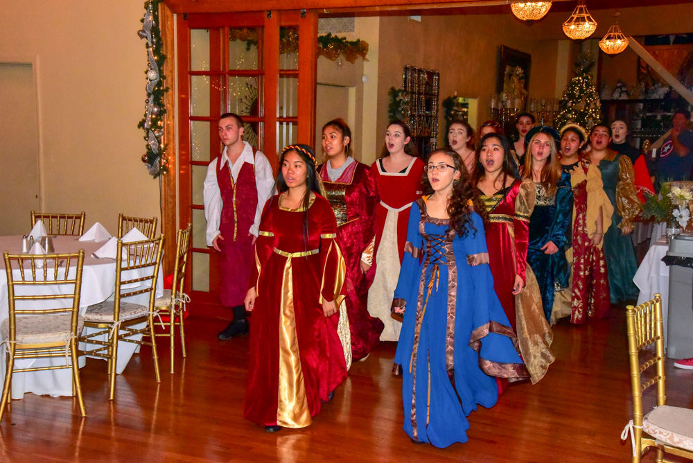 Madrigal_Rehearsal 339