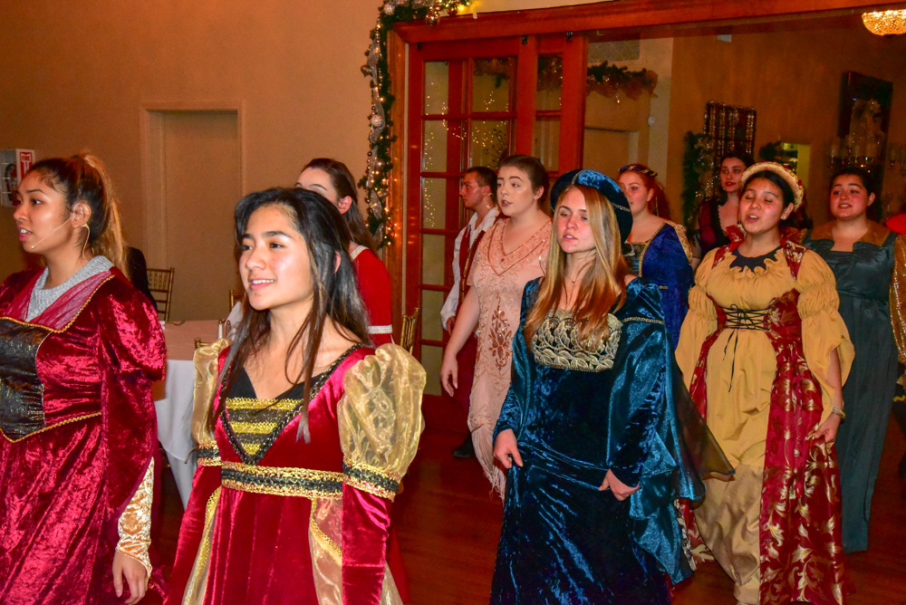 Madrigal_Rehearsal 341