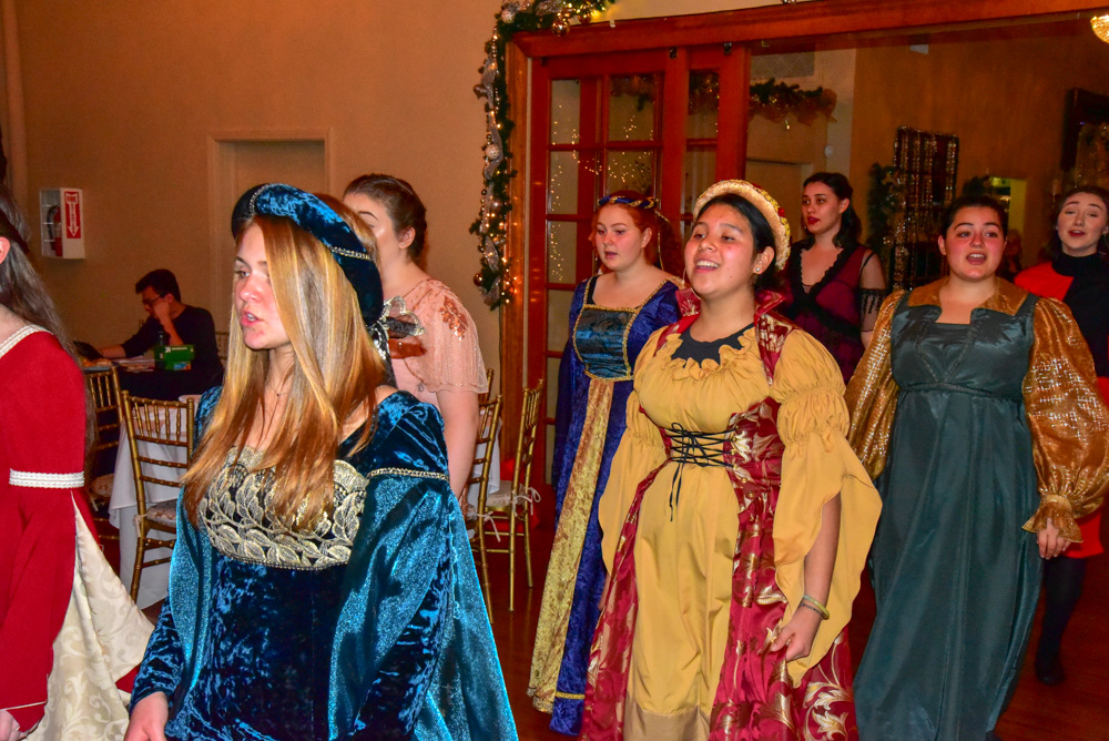 Madrigal_Rehearsal 342