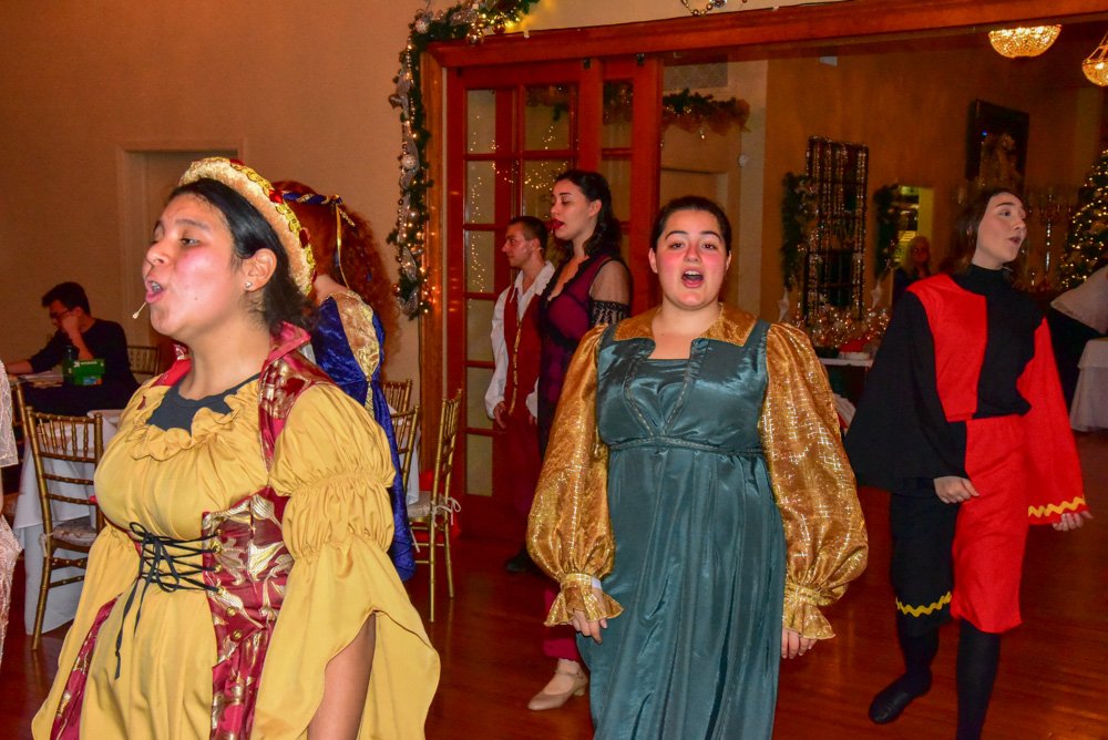 Madrigal_Rehearsal 343