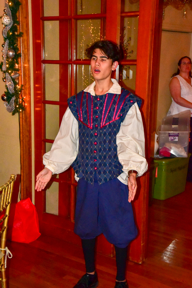 Madrigal_Rehearsal 353