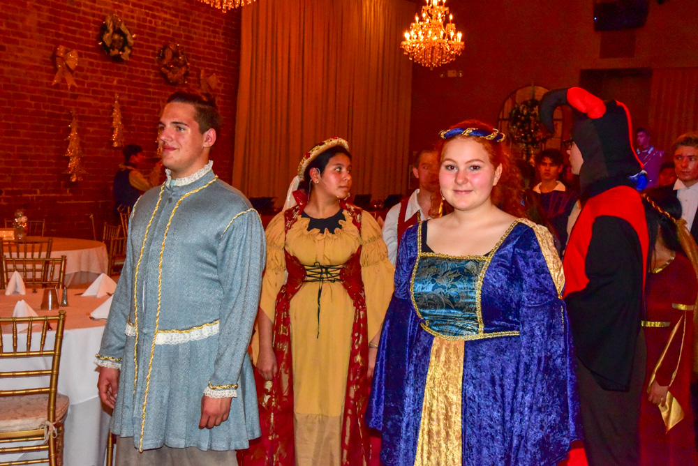 Madrigal_Rehearsal 358
