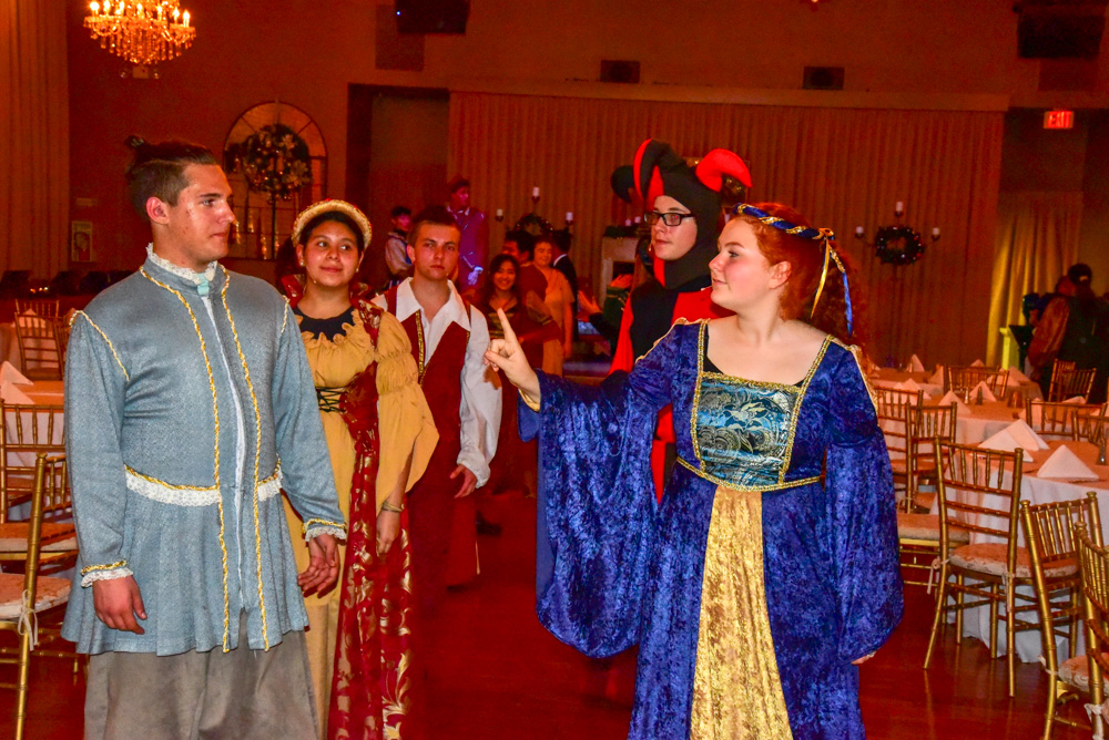Madrigal_Rehearsal 359
