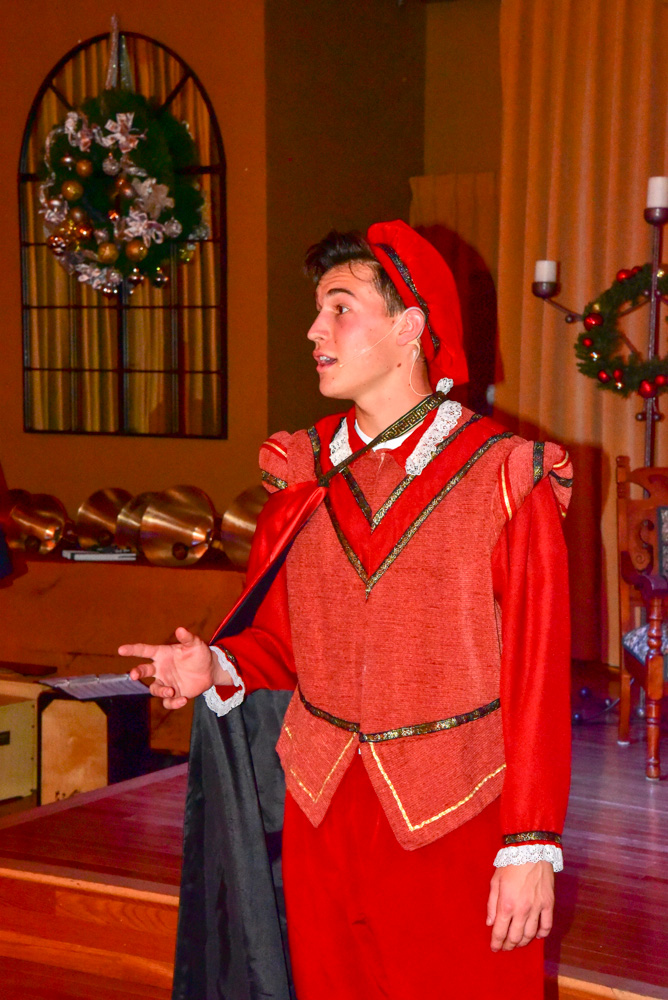 Madrigal_Rehearsal 374