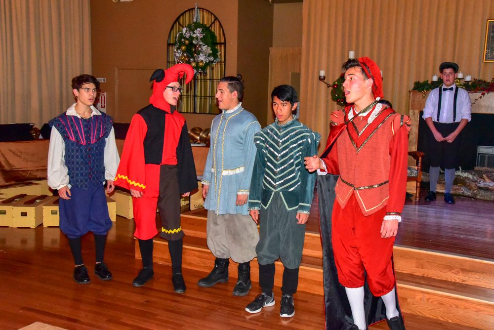 Madrigal_Rehearsal 376