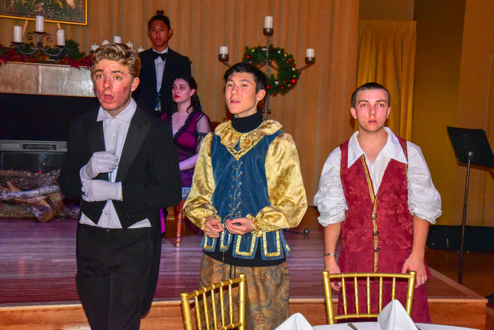Madrigal_Rehearsal 377