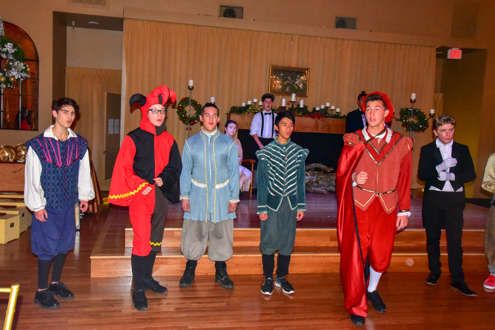 Madrigal_Rehearsal 378