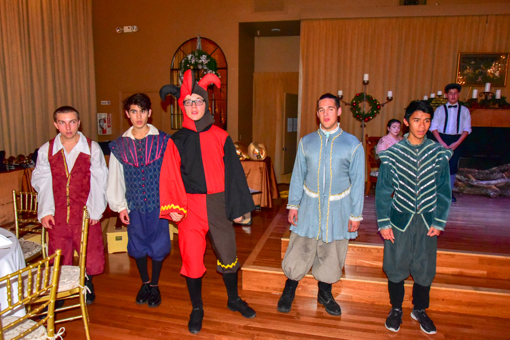 Madrigal_Rehearsal 386