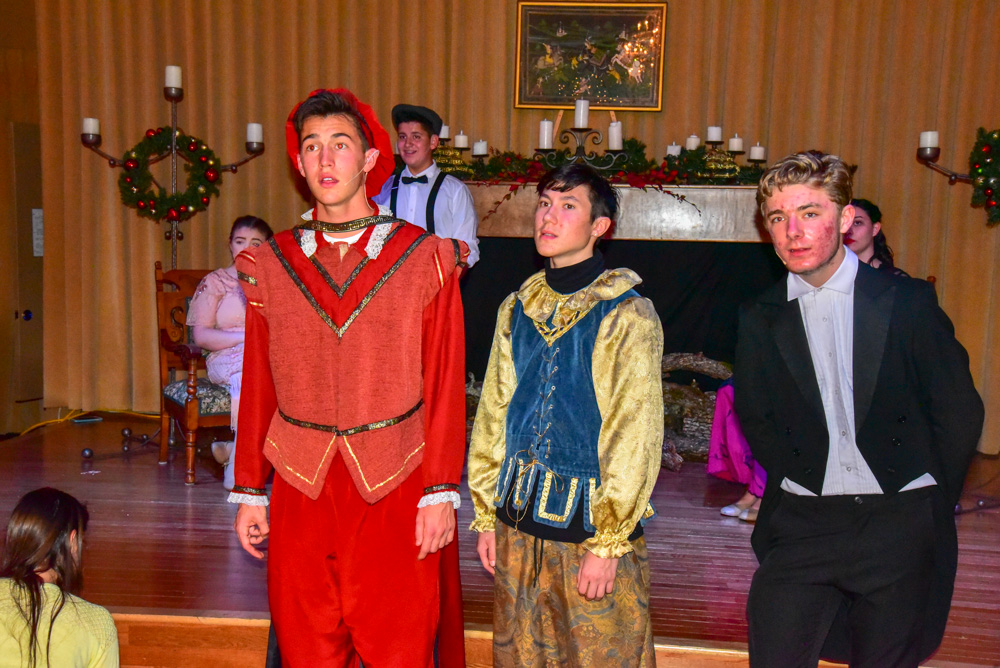 Madrigal_Rehearsal 392