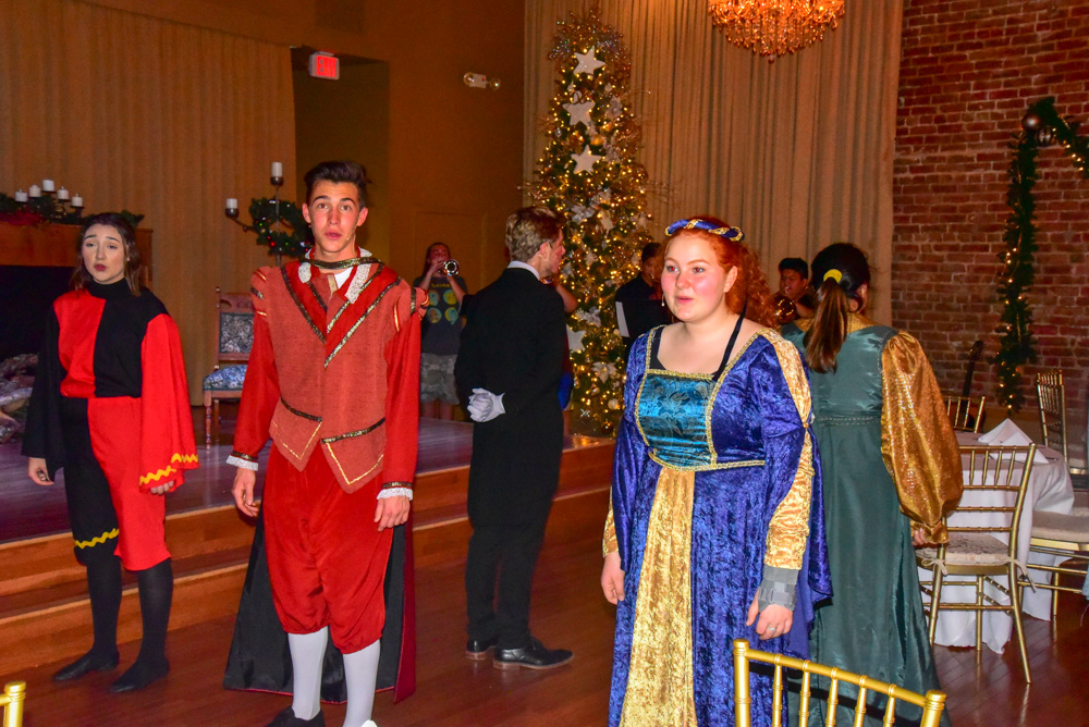 Madrigal_Rehearsal 491