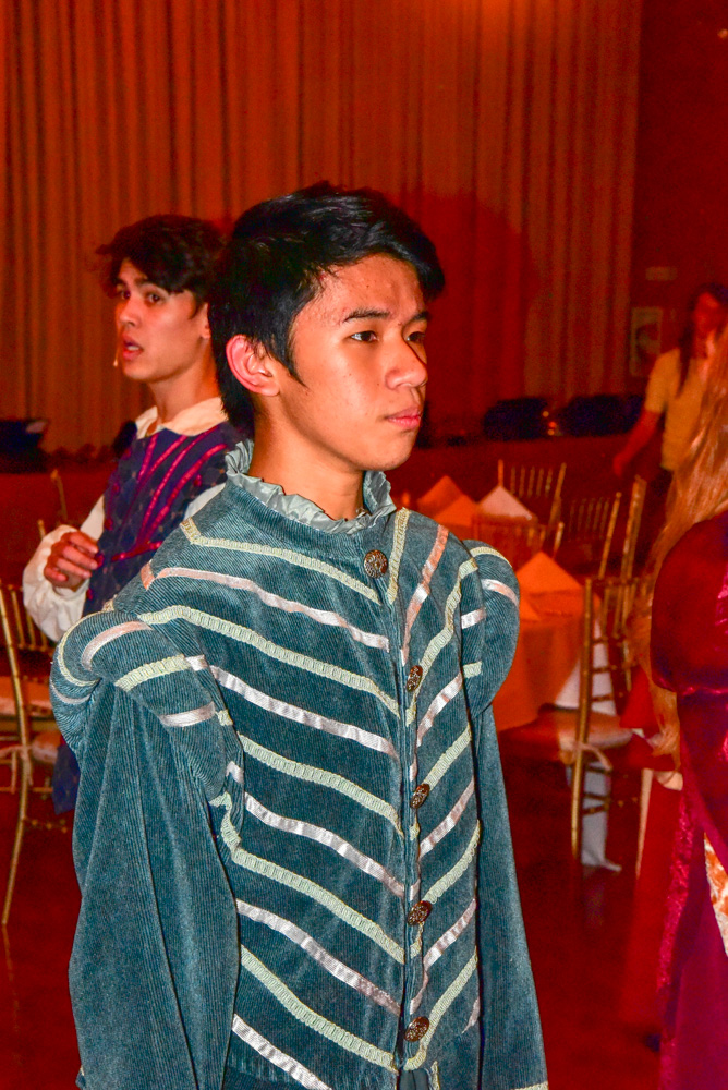 Madrigal_Rehearsal 499